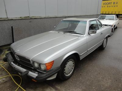 1986 Mercedes - Benz 560SL Roadster